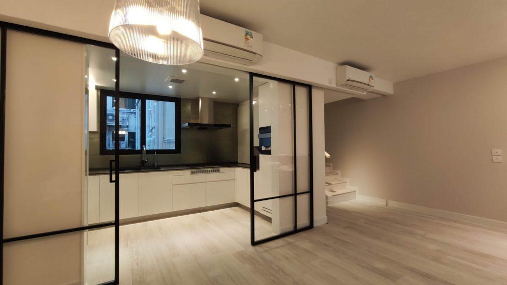廚房玻璃間隔