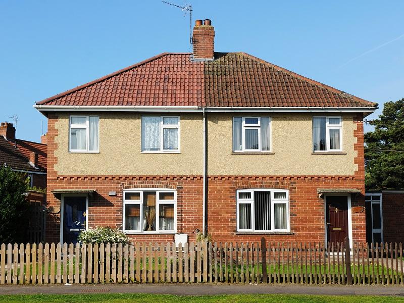 英國半獨式房屋